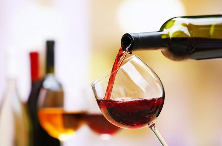 Ecco perché bere un po' di vino fa bene.