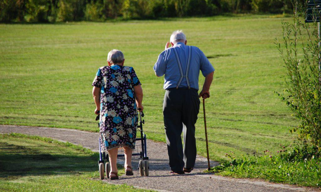 Deambulatori per anziani focus su incentivi e detraibilità